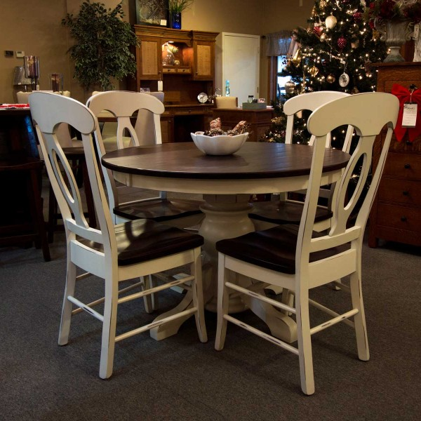 Country Kitchen Yorktown In: Potbelly Single Pedestal Table
